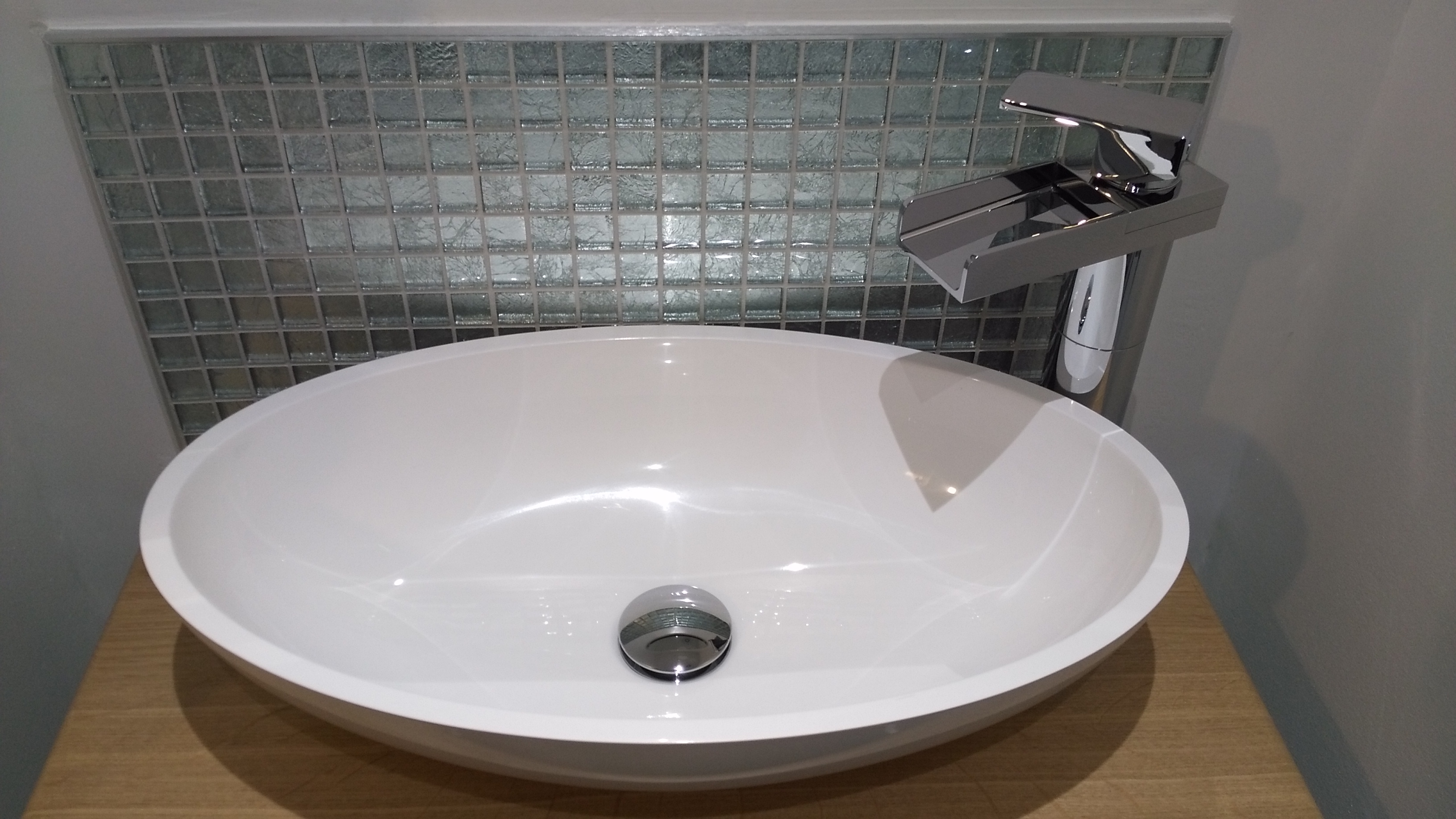 Traditional Bathroom Edinburgh with deck mounted sink and tap