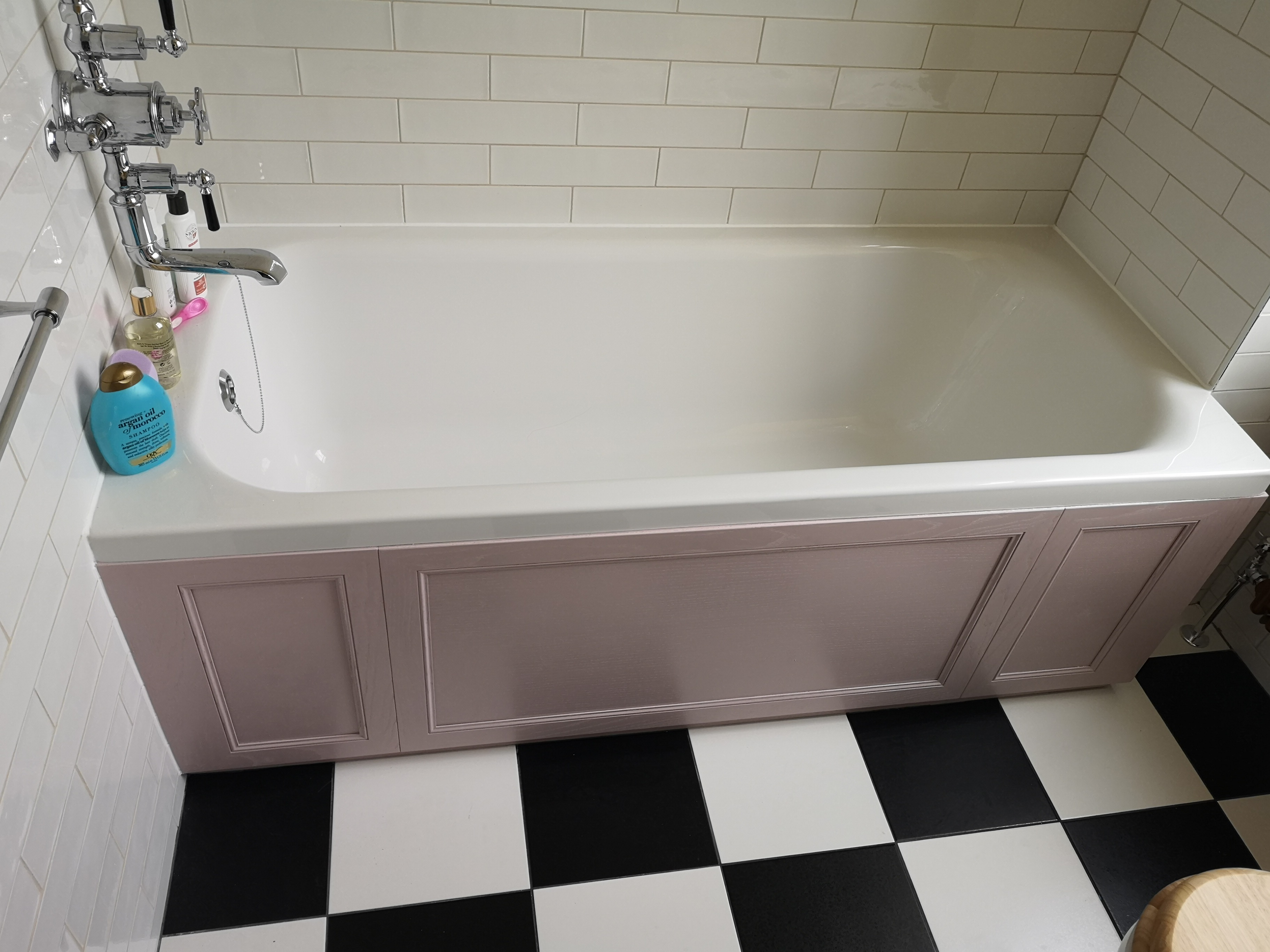 Traditional Chequered Floor bathroom with bath